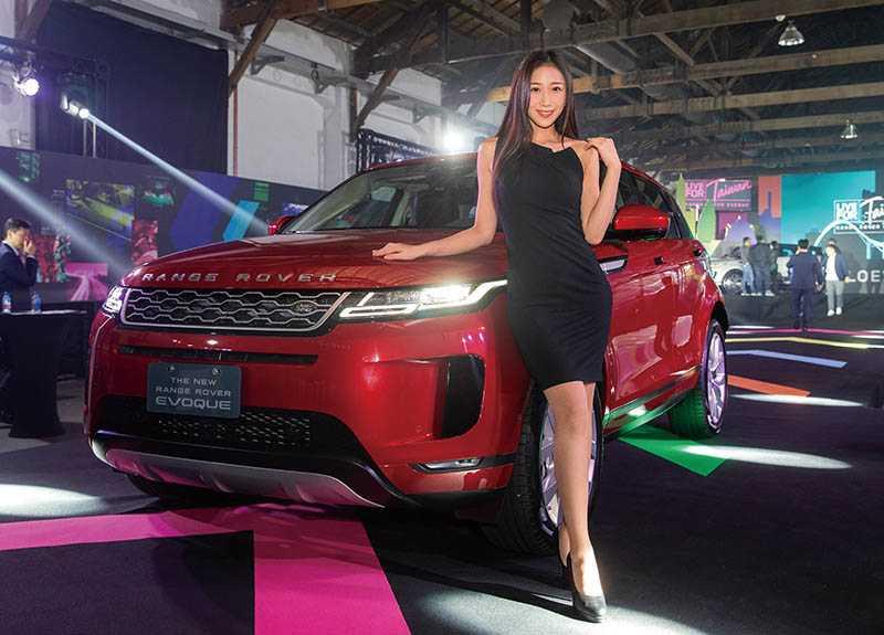 EVOQUE從215萬元至260萬元的售價,吸引不少原是雙B車主的買家。(圖/黃耀徵攝)