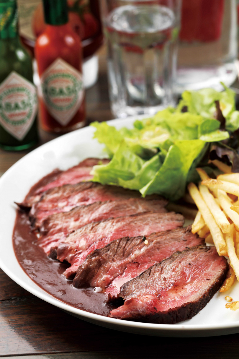 「舒肥烤安格斯自然牛」使用不打抗生素及瘦肉精的美國安格斯自然飼養牛肉。(480元)(圖/于魯光攝)