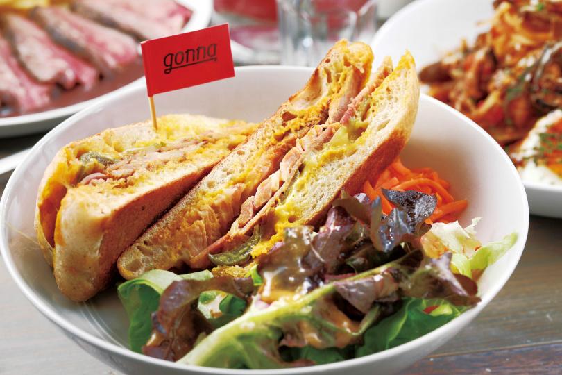 「古巴慢烤活菌豬帕里尼」靈感來自電影《五星主廚快餐車》中,主角餐車販售的三明治。(300元)(圖/于魯光攝)