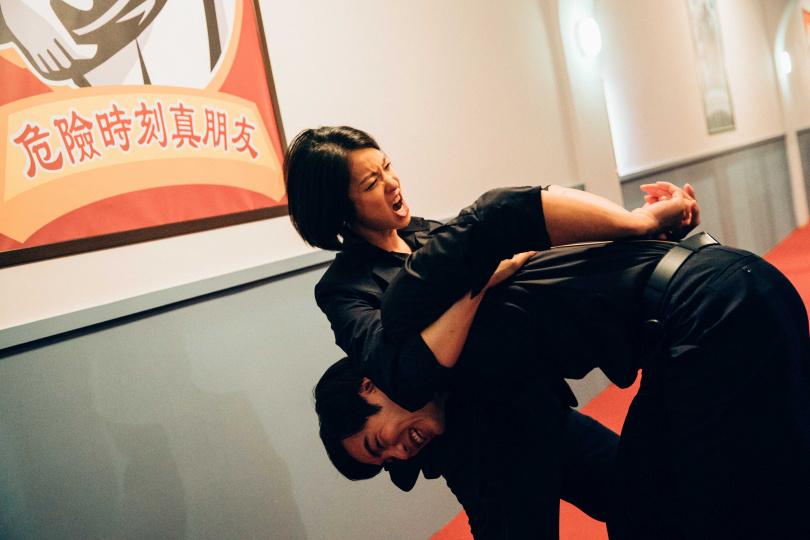 賴雅妍(左)與禾浩辰有激烈武打戲。