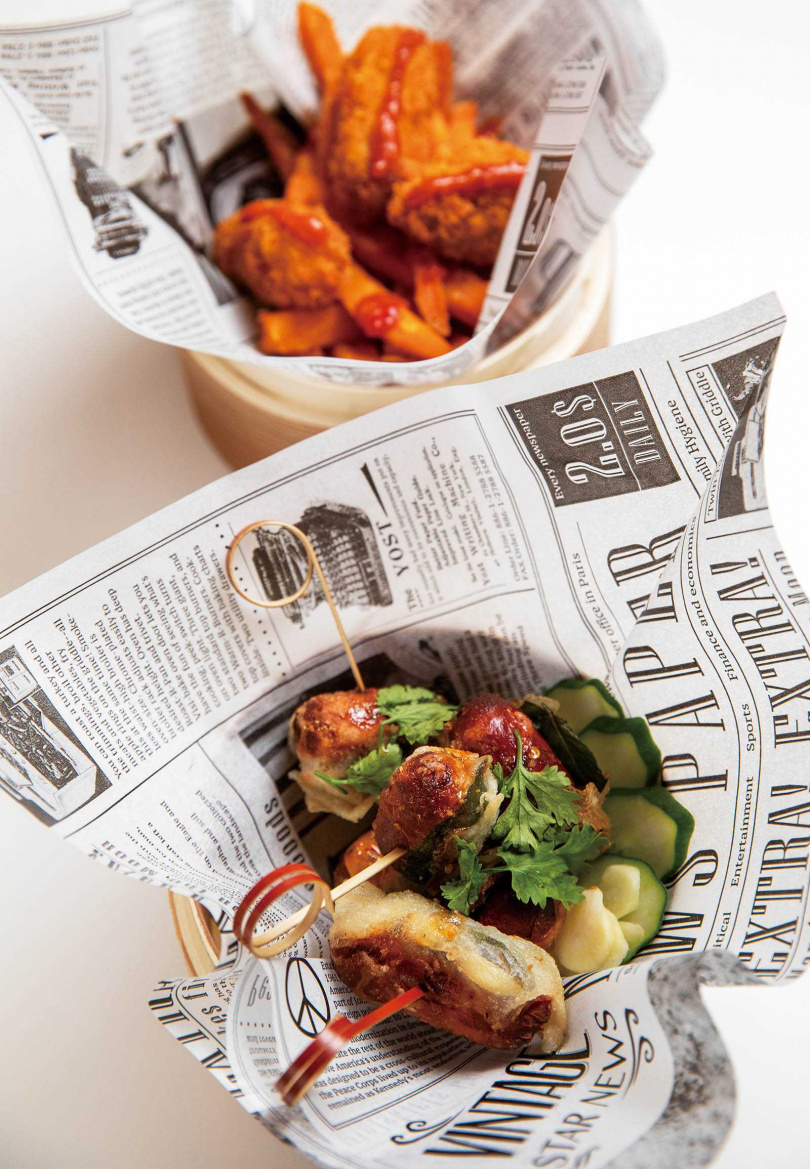 「炸牡蠣地瓜」(上)與「泰風香腸」(下)香氣足又開胃,是小酌良伴。(各160元)(圖/于魯光攝)