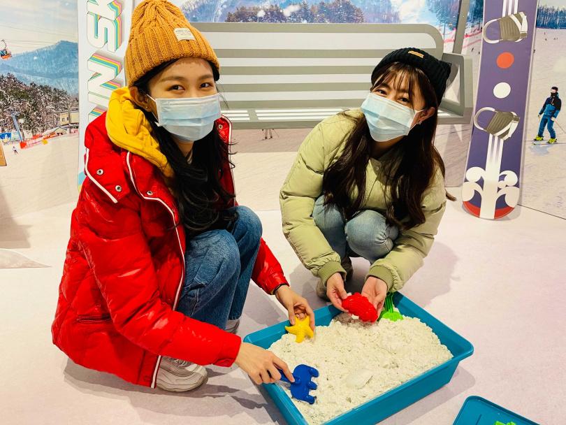 以動力沙模擬玩雪的情境。(圖/韓國觀光公社)