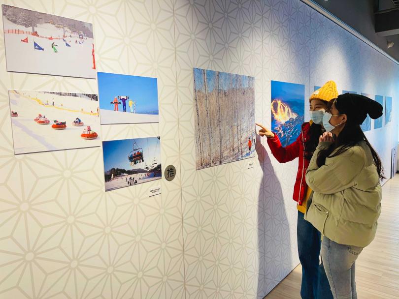 現場以照片、影片展出江原道獨有雪景。(圖/韓國觀光公社)