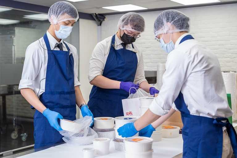 每家分店根據自身廚房量能,都可跨品牌提供最多5個以上品牌餐點與餐型。