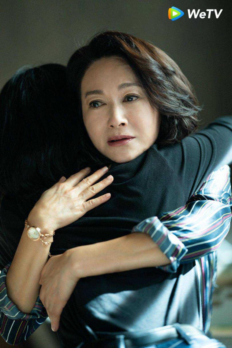 惠英紅在《不完美的她》演出周迅養母。(圖/WeTV)