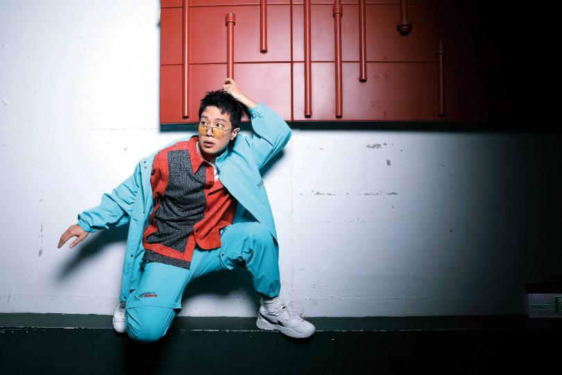 襯衫:INDICE STUDIO、外套、褲子:doublet、球鞋:Nike、飾品:MISBHV、APM Monaco(攝影/戴世平)