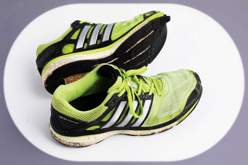 adidas綠色運動鞋/約3,500元(攝影/戴世平)