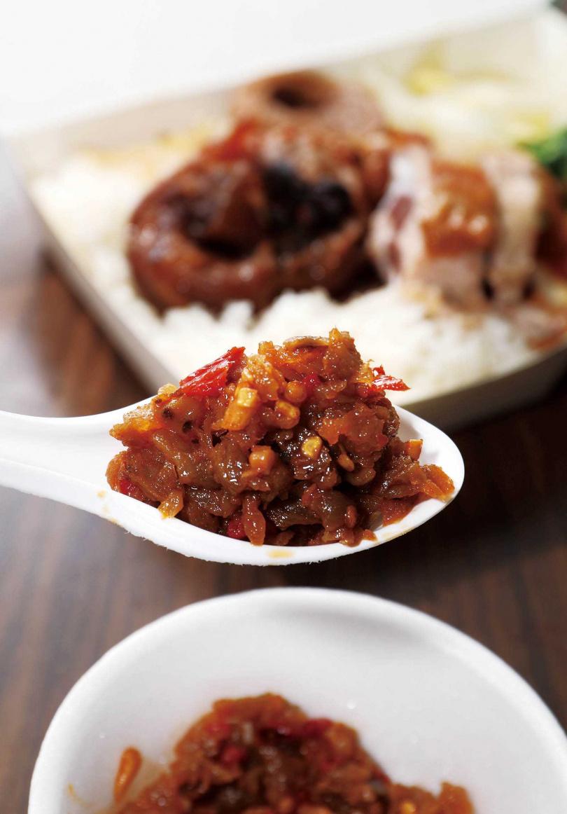不少老客人都衝著夏日最開胃下飯的辣菜脯而來。(圖/于魯光攝)
