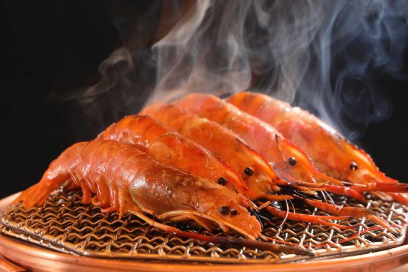 現烤泰國蝦。(圖/和牛祭鍋物放題提供)