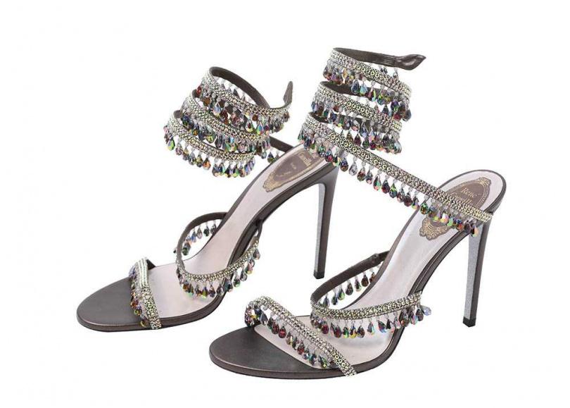 RENÉ CAOVILLA水晶鑲嵌螺旋高跟涼鞋/約48,500元上《女人我最大》時,薔薔看到主持人藍心湄買了RENÉ CAOVILLA的鞋,對這品牌一見鍾情,「上面都是水鑽,太美了,買了供在家裡我都開心。(攝影/戴世平)