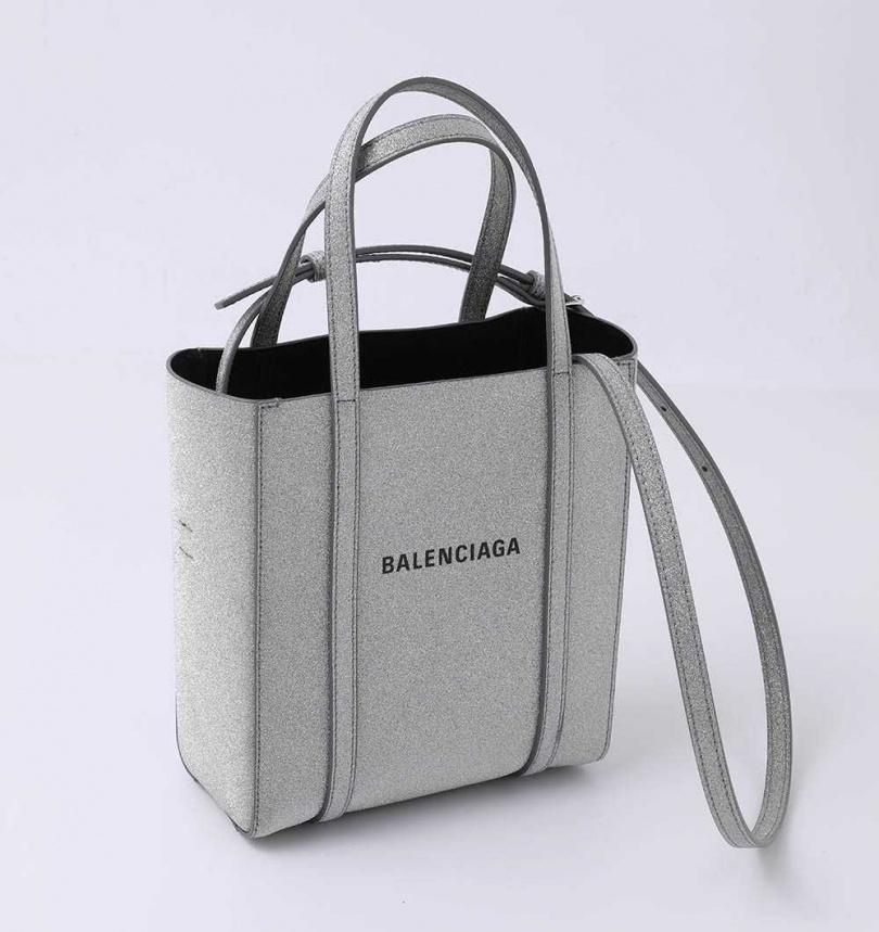 BALENCIAGAEVERYDAY XXS GLITTER手提袋/約35,760元(攝影/戴世平)