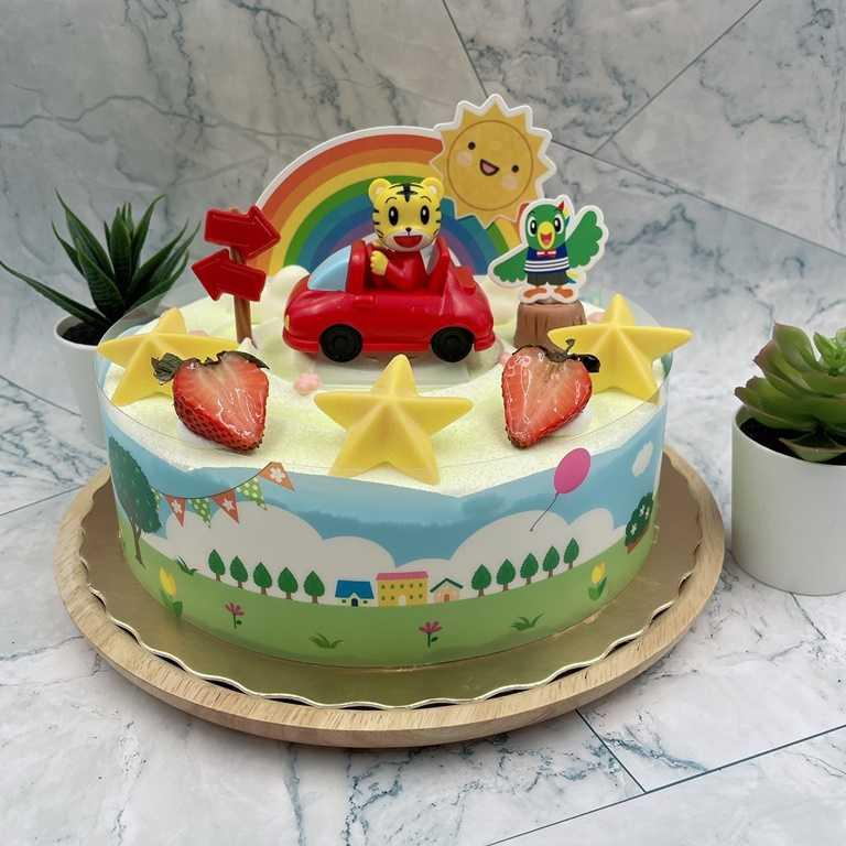 「巧虎兜風款」為8吋蛋糕,有可愛巧虎公仔坐著小車車。(650元)