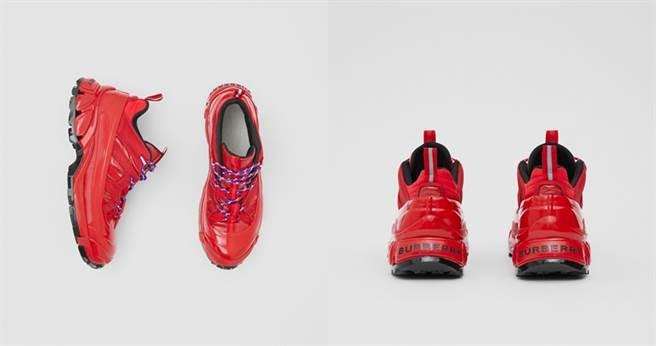 尼龍及麂皮Arthur運動鞋 NT28,900(圖/翻攝自Burberry官網、IG)