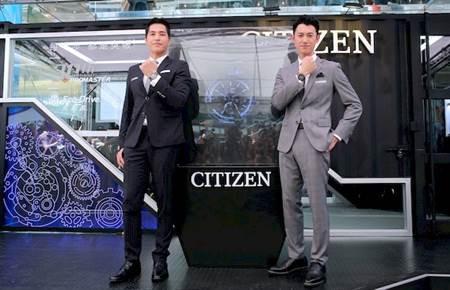藍正龍及吳慷仁首著星辰全新光動能GPS衛星對時錶款,展現男人溫潤紳士風範。