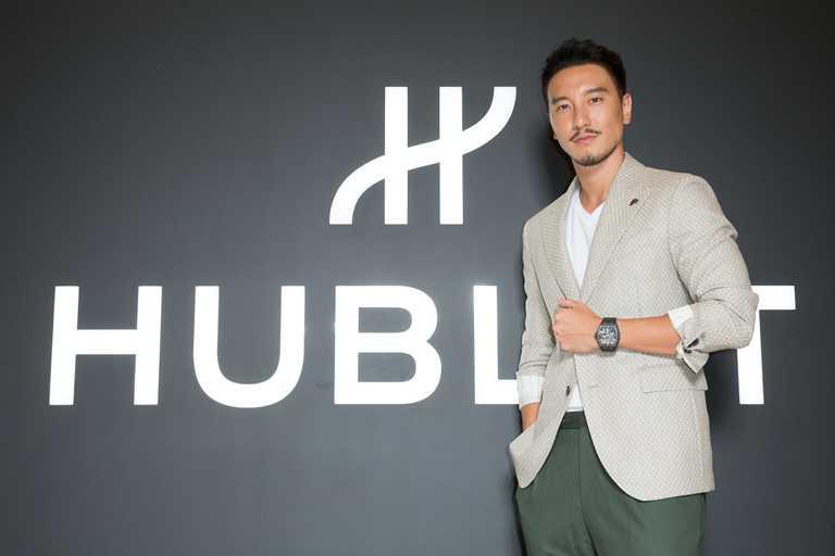 最新上檔國片《海霧》男主角王陽明,帥氣出席HUBLOT宇舶錶「融合的藝術」台灣首間期間限定店開幕。(圖╱HUBLOT提供)