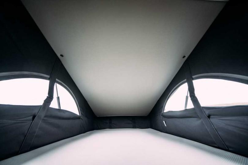 車頂帳內部