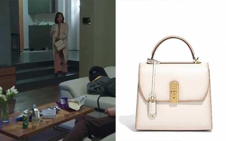 韓星金喜愛於韓劇「夫妻的世界」中使用BOXYZ白色牛皮提包/NT$89,900(圖/JTBC,Salvatore Ferragamo)