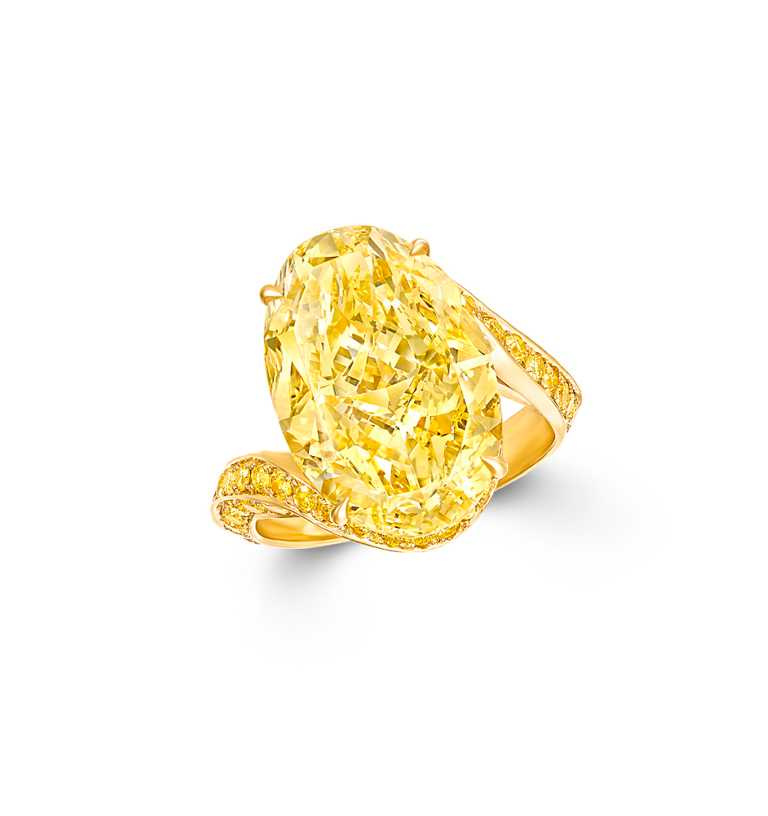 GRAFF「橢圓形黃鑽戒指」,價格店洽。(圖╱GRAFF提供)