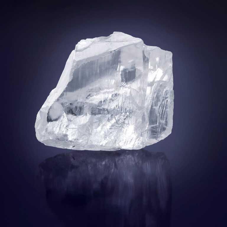 476克拉「Meya Prosperity」原石。(圖╱GRAFF提供)
