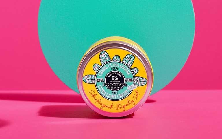L'OCCITANE快樂乳油木舒芙身體霜200ml/1,780元質地就像空氣般輕盈的舒芙蕾創新質地,塗抹於肌膚瞬間吸收毫不黏膩。(圖/品牌提供)