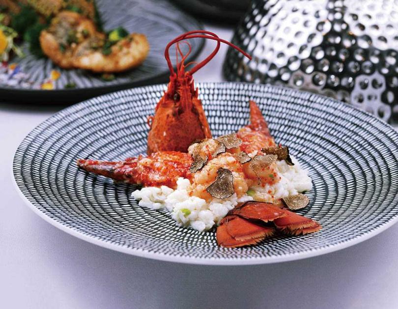 結合高檔東西食材精華的「鮮奶黑松露炒龍蝦」,氣派又奢華。(1,080元,半隻,需預訂)(圖/于魯光攝)