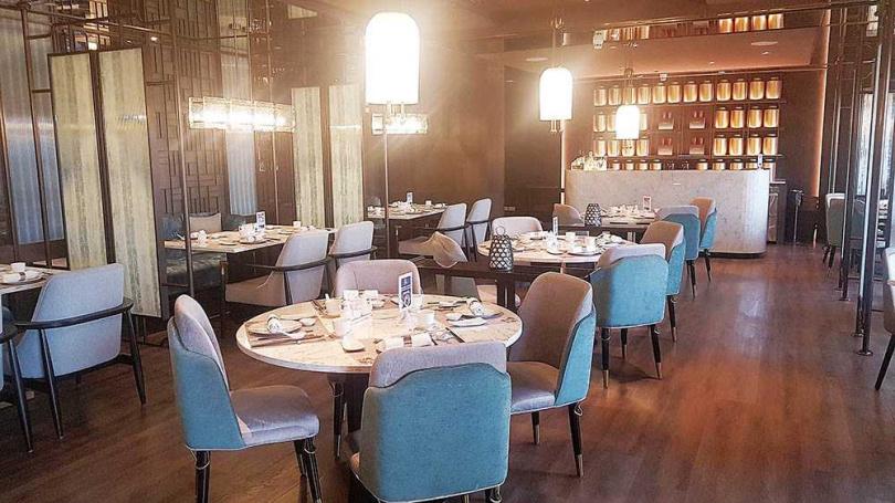 改裝後的「世貿名人坊」,餐廳多了分靜謐與沉穩。(圖/于魯光攝)