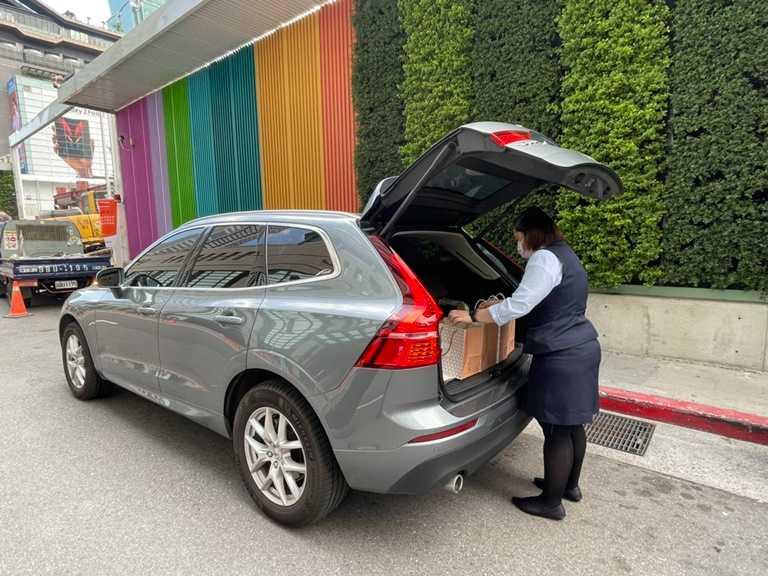 欣葉旗下各分店規劃了「免下車取餐」安心服務,縮短取餐時間也降低接觸風險顧慮。