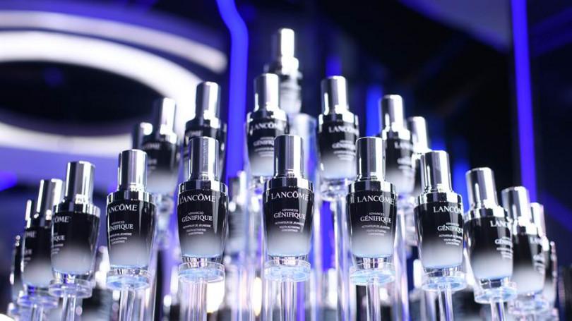 有預感蘭蔻這瓶超未來肌因賦活露一定會創下比前一代小黑瓶更好的銷售業績!(圖/蘭蔻提供)