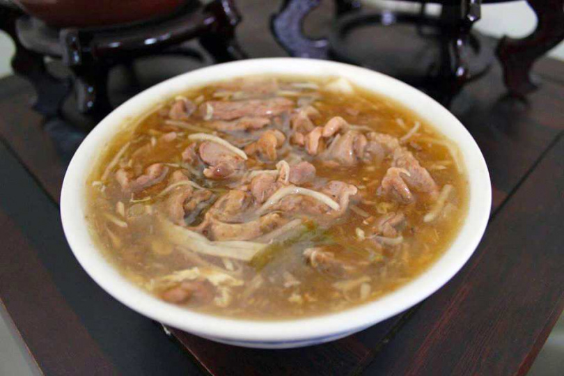 「鴨肉羹」實在的用料與嚴謹的製程,讓人每一口都能感受到濃濃的古早味。(圖/翻攝自水林珍仔鴨肉羹粉絲專頁)