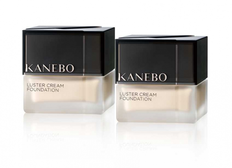 買:KANEBO 纖透光采粉霜#OCC 30ml,送:KANEBO 纖透光采粉霜 30mL-精選色(特惠價/4,700元,原價/9,400元) (圖/品牌提供)