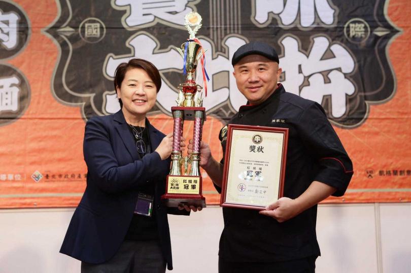 紅燒組冠軍—皇家傳承。(圖/台北市牛肉麵交流發展協會提供)