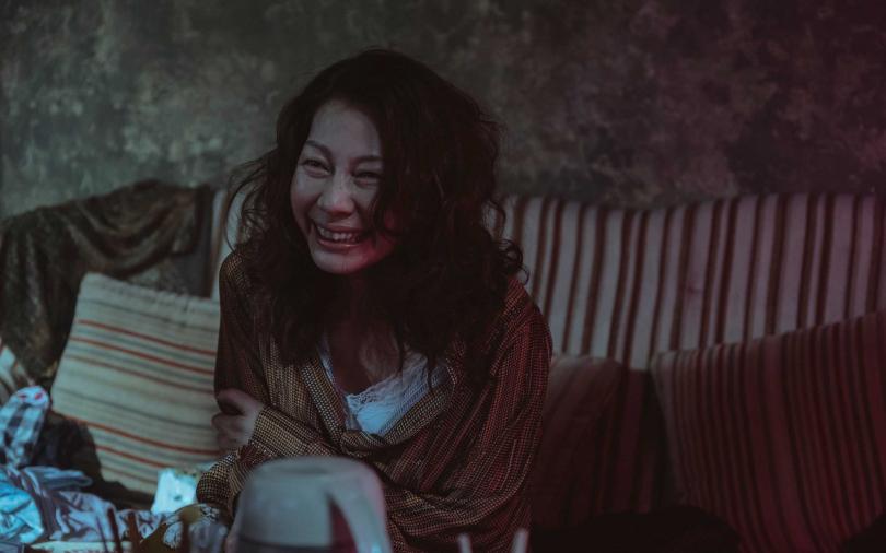 金馬獎得主丁寧在《誰是被害者》瘋魔演出,讓演出鑑識官的張孝全頭皮發麻。(圖/Netflix提供)