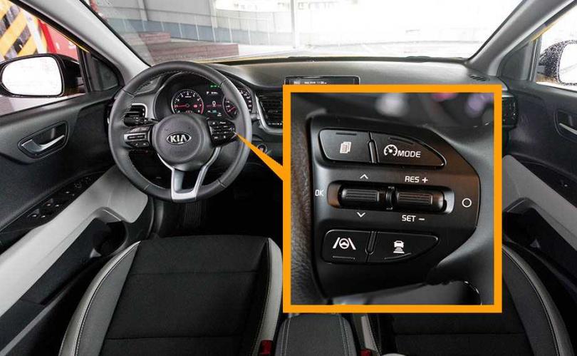 STONIC端出高規格的主、被動安全配備,按鍵區設置於方向盤上的右側,操作相當方便。(圖/張文玠攝)