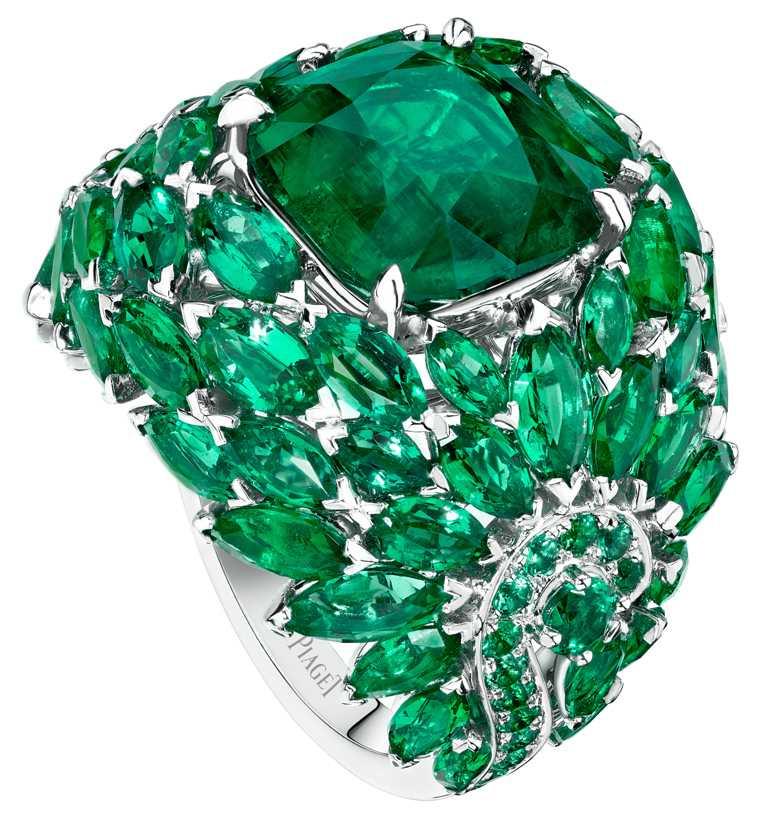 PIAGET「Sunlight Escape」系列,祖母綠頂級珠寶鑽石戒指╱17,900,000元。(圖╱PIAGET提供)
