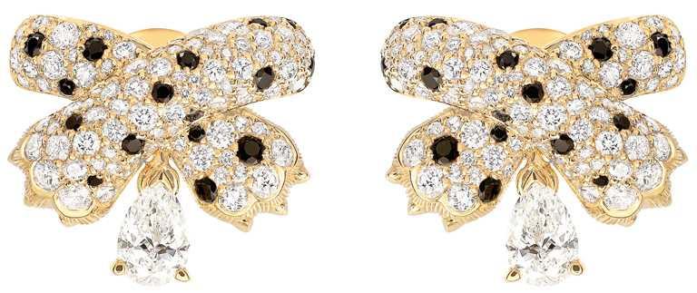 FRED「Ombre Feline」系列高級珠寶鑽石耳環,黃K金鑲嵌總重2.59克拉188顆美鑽、34顆共0.55克拉黑色尖晶石,搭配2顆0.3克拉GVS1等級梨形主鑽╱877,800元。(圖╱FRED提供)