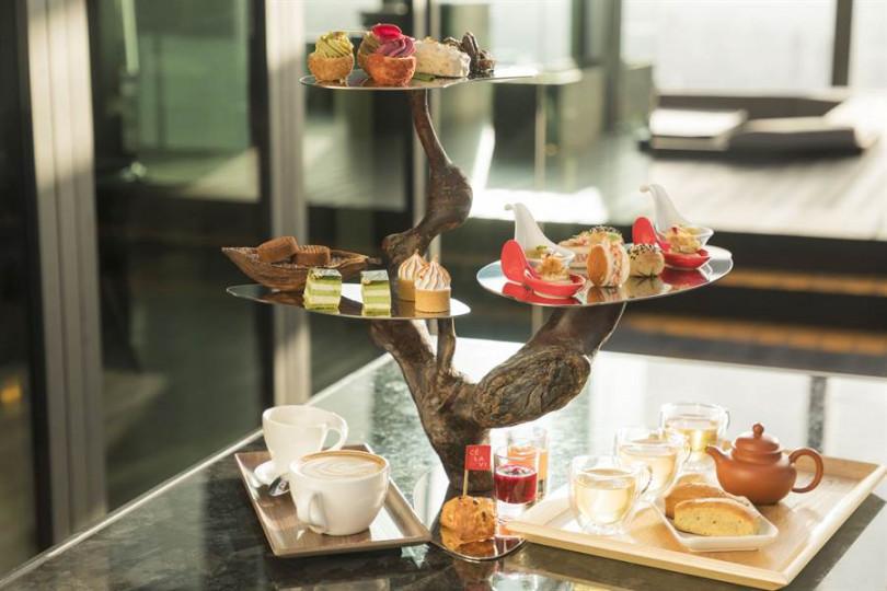 CÉ LA VI Taipei 7月中推出「天空樹茶饗宴」下午茶,構思來自「盆栽」設計,結合亞洲藝術文化與西方英式下午茶。(餐廳照片提供)