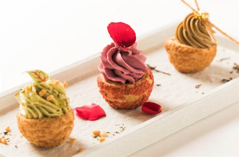 CÉ LA VI Taipei「天空樹茶饗宴」三層架最上層之「三茶泡芙」。(照片餐廳提供)