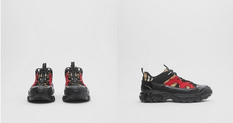 Vintage格紋棉質和磨絨皮革Arthur運動鞋NT28,900(圖/翻攝自Burberry官網)