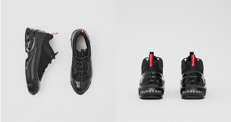 尼龍、人造磨絨皮革和網眼Arthur運動鞋 NT28,900(圖/翻攝自Burberry官網)
