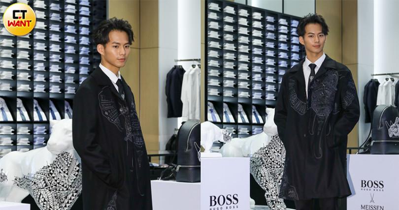 帥氣俐落的黑色大衣,讓吳念軒展現出與平常不同的魅力。(圖/焦正德攝)