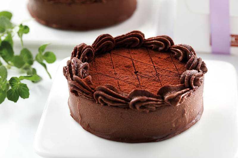 「巧克力控特製起士蛋糕」品嘗黑巧克力與柔滑起士的完美融合!(450元/10.5公分)(圖/于魯光攝)