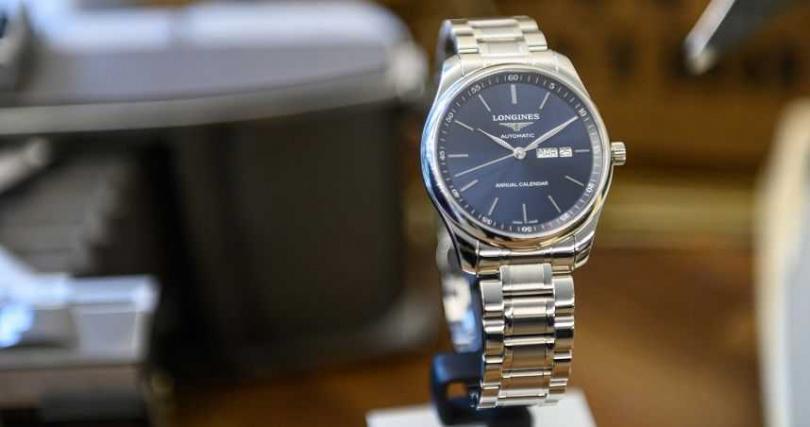 Longines 浪琴表Master 巨擘系列藍色面盤年曆腕錶。