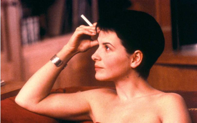 影后茱麗葉畢諾許在《烈火情人》多場激烈床戲震撼影壇。(圖/甲上娛樂提供)