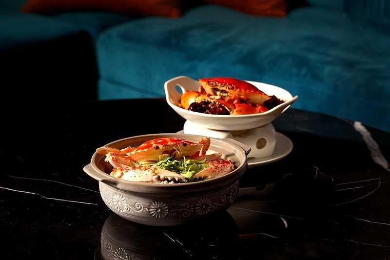 兩種螃蟹、五種口味,混搭出讓人吮指難忘的秋日美蟹。(圖片提供/COZZI Blu和逸飯店.桃園館)