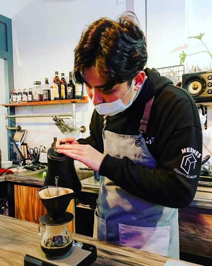 義式組得獎咖啡館之一—赫米斯自家烘焙咖啡館。(圖/翻攝自赫米斯自家烘焙咖啡館粉絲專頁)