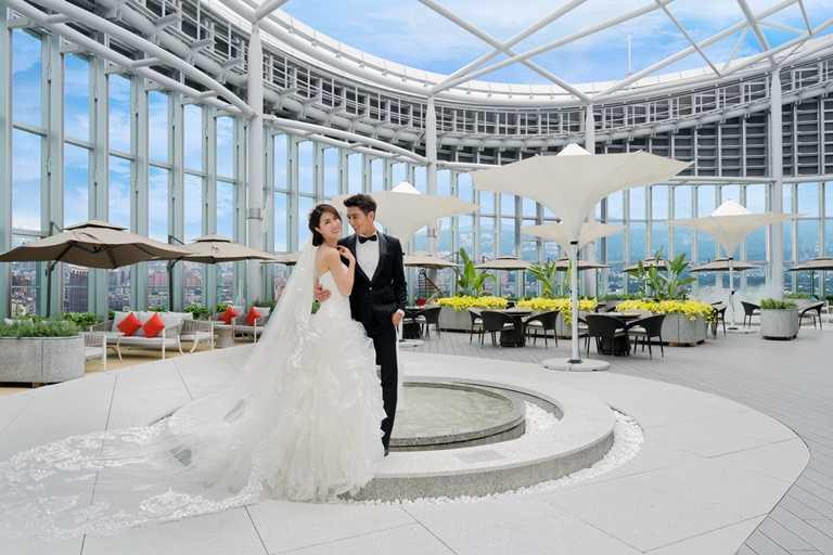 「Mega 50」舉辦婚宴,在婚宴當天還可在新北第一高的Asia49高空花園拍照留念。