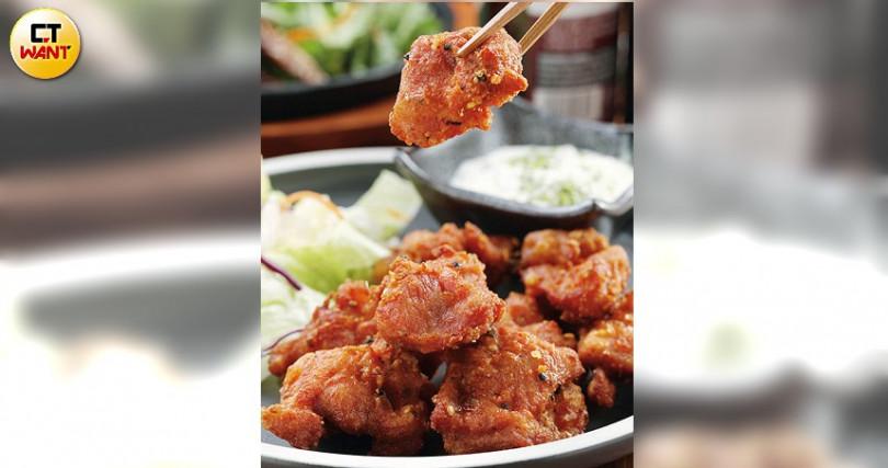 「南蠻風炸雞」多汁的炸雞塊、塔塔醬與酸甜鹹辣的南蠻醬汁,交織出不敗的美味。(260元)(圖/于魯光攝)