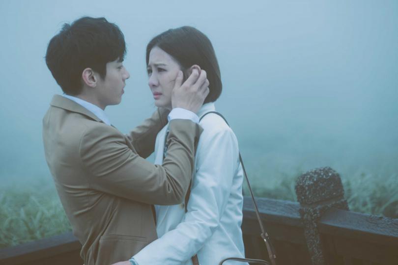 跟宋柏緯合作新戲《墜愛》,安心亞一度壓力太大找不到自己。(圖/歐銻銻娛樂提供)