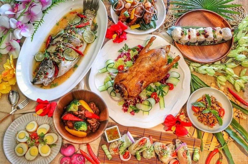 「仲夏南洋嘉年華」六大美食區中的各式好料都能無限享用。(圖/板橋凱撒大飯店)