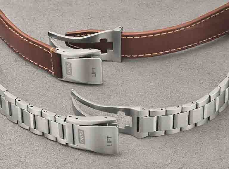 專為ORIS「Big Crown ProPilot飛行系列」腕錶研發的LIFT專利折疊釦帶,靈感源自飛機上的安全帶釦環。(圖╱ORIS提供)